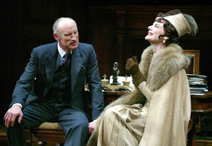 James Rebhorn and Marian Seldes in Dinner at Eight(Photo: © Joan Marcus)