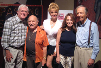 Phil Donahue, Lou Cutell, Teresa Ganzel,Marlo Thomas