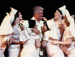 Still a hit with the ladies:Tony Curtis as Osgood in Some Like It Hot(Photo: Carol Rosegg)