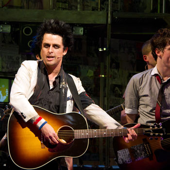 "Billie Joe Armstrong singing ""Time of Your Life""