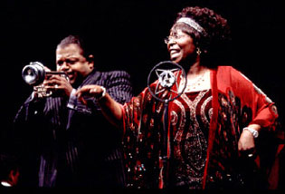 Charles S. Dutton and Whoopi Goldbergin Ma Rainey's Black Bottom
