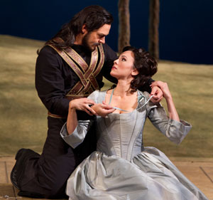 Nathan Gunn and Isabel Leonard in Cosi Fan Tutte