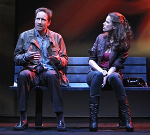 David Duchovny and Amanda Peet in The Break of Noon