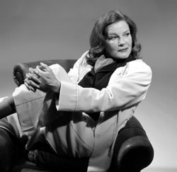 Kate Mulgrew as the youngKatharine Hepburn in Tea at Five
