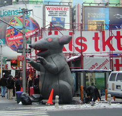 Giant inflatable rats such as this one wereset up in the theater district by the musicians' unionas its strike against Broadway producers began(Photo: © Matthew Murray)