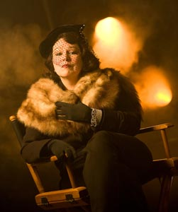 Florence Lacey in Sunset Boulevard (© Chris Mueller)