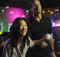 Sandra Oh and Aaron Eckhart in Rabbit Hole