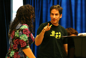 Seth Rudetsky working with a Broadway Workshop student
