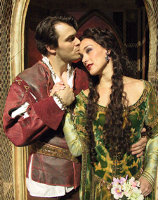 The girl gets around:Matt Bogart and Glory Crampton in Camelot(Photo: © Jerry Dalia)