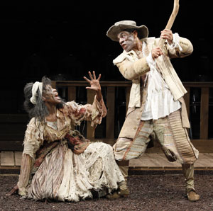 Charlayne Woodard and André De Shields in The Witch of Edmonton (© Carol Rosegg)