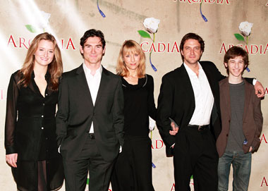 Grace Gummer, Billy Crudup, Lia Williams, Raúl Esparza, and Noah Robbins