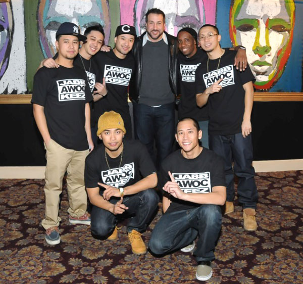 Joey Fatone and the cast of  Jabbawockeez' MÜS.I.C.