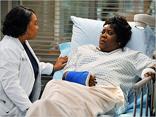 Chandra Wilson and Loretta Devine in Grey's Anatomy