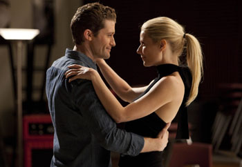 Matthew Morrison and Gwyneth Paltrow on Glee