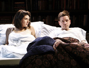 Marisa Tomei and Frank Whaley in Marie and Bruce
