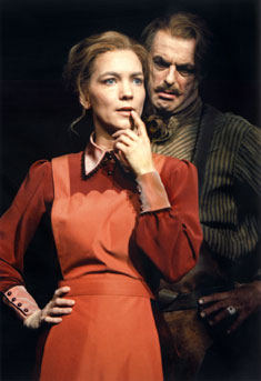 Angela Kovács and Örjan Ramberg in Ghosts(Photo © Bengt Wanselius)