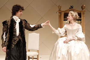 Hamish Linklater and Mamie Gummer