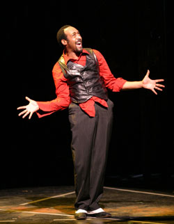 Jesse L. Martin as Macheathin The Threepenny Opera(Photo © Richard Feldman)