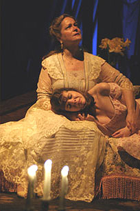 Wendy Barrie-Wilson and Katherine Kellgren in The Glass Menagerie(Photo © Gerry Goodstein)