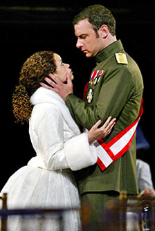 Nicole Leach and Liev Schreiber in Henry V