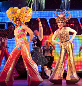 Will Swenson and Tony Sheldon in Priscilla Queen of the Desert The Musical (© Joan Marcus)