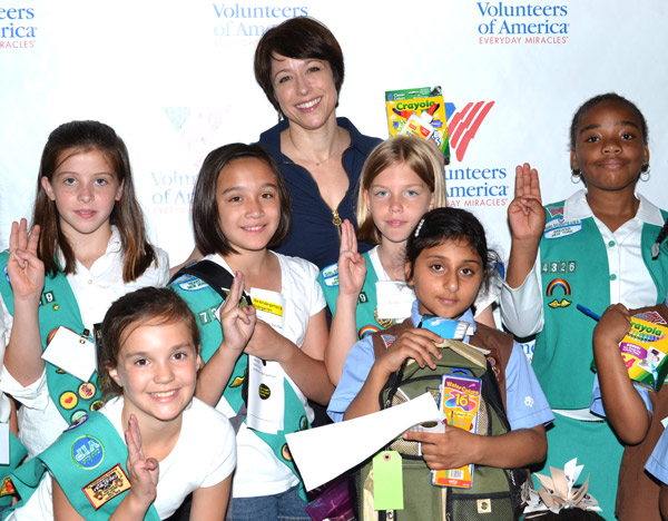 Paige Davis and Girl Scout volunteers