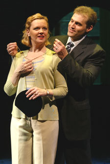 Leah Hocking and Marc Kudisch inThe Thing About Men(Photo © Carol Rosegg)