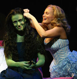 Idina Menzel and Kristin Chenoweth in Wicked(Photo © Joan Marcus)