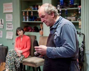 Alma Cuervo and Danny Aiello in The Shoemaker