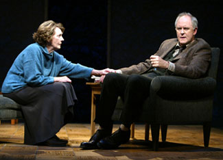 Eileen Atkins and John Lithgow in The Retreat from Moscow(Photo © Joan Marcus)