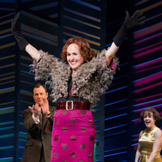 Molly Shannon in Promises, Promises (© Tristan Fuge)