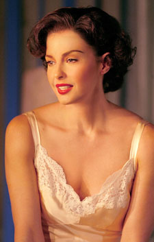 Ashley Judd in Cat on a Hot Tin Roof(Photo © Joan