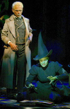 Joel Grey and Idina Menzel in Wicked(Photo © Joan Marcus)