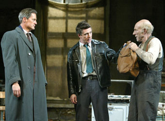 Kyle MacLachlan, Aidan Gillen, and Patrick Stewart in The Caretaker(Photo © Joan Marcus)