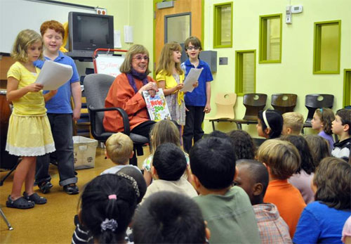 Phyllis Newman with children from  P.S. 212 (© Sean Katz)