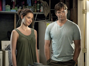 Ashley Judd and Harry Connick Jr. in Dophin Tale