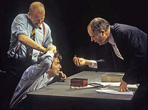 Nigel Lindsay, David Tennant, and Jim Broadbentin The Pillowman
