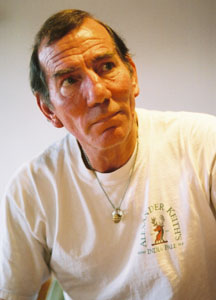 Pete Postlethwaite in rehearsal forScaramouche Jones(Photo © Allen Daniels)
