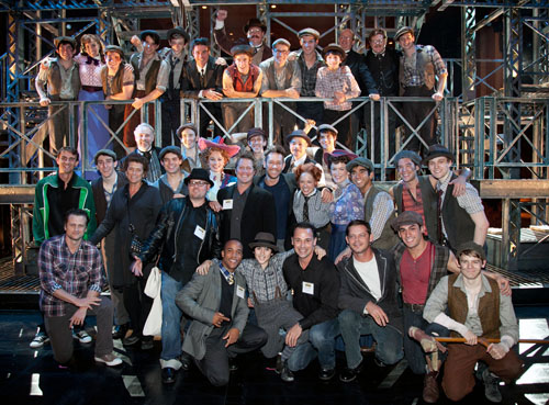 Cast of Newsies and special guests (© Jerry Dalia)