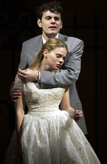 Wayne Wilcox and Celia Keenan-Bolgerin The Light in the Piazza(Photo © Liz Lauren)