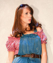 Catherine Tate in Much Ado About Nothing (© Johan Persson)