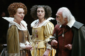 Domini Blythe, Lucy Peacock, and Christopher Plummer in King Lear(Photo © Joan Marcus)