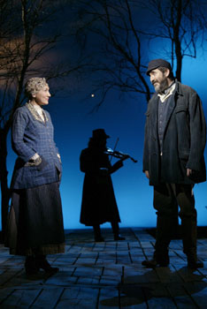 Randy Graff, Nick Danielson, andAlfred Molina in Fiddler on the Roof(Photo © Carol Rosegg)