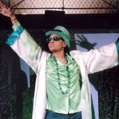 Billy Peña in The Wiz(Photo © Val Summervill)