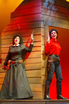 Ann Crumb and Judy McLane inJohnny Guitar(Photo © Joan Marcus)