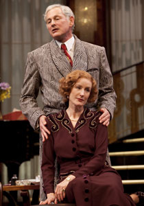 Victor Garber and Lisa BanesinPresent Laughter