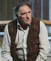 Judd Hirsch in Sixteen Wounded(Photo © Joan Marcus)