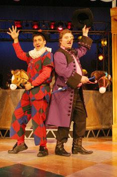 John Kuntz and Steven Barkhimer in Scapin(Photo © Jeffrey Dunn)