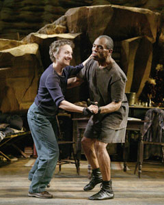Phyllis Frelich and André De Shields in Prymate(Photo © Paul Kolnik)