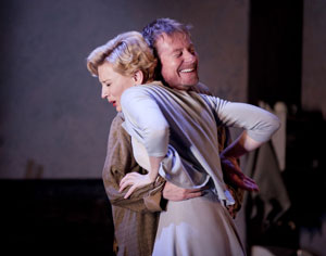 Cate Blanchett and Richard Roxburghin Uncle Vanya